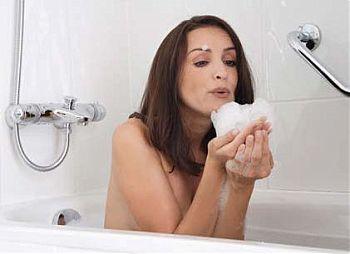 Защо някои дезодоранти, кремове и шампоани могат да са опасни
